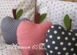 Ксения 68 - Декоративная подушка в виде яблока