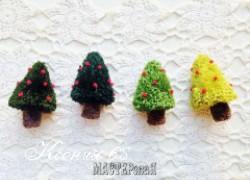Ксения 68 - Миниатюрные новогодние ёлочки из помпонов