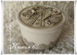 Ксения 68 - Шкатулка рукодельницы из коробки от печенья