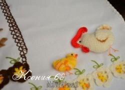 Ксения 68 - Петушок, курочка и цыплята на полотенце