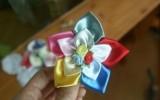 Ксения 68 - Цветок из атласной ленты для заколки. МК