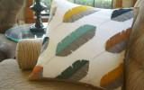 Ксения 68 - Декоративная  подушка с перьями из фетра