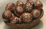 """Ксения 68 - Яйца, украшенные самоклейкой """"под дерево"""""""