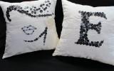 Маюття - диванные подушечки вышитые пуговицами