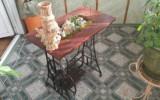 Olivka - Цветочница из основания старой швейной машинки