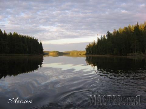 Озеро очень красивое, дно все каменистое, очень много островков но рыбалка там только в июне или июле когда тепло, нам же попалась только одна кумжа и немного мелочевки окуней, хотя рыба там была и в больших количествах но стояла на глубине 20-25 митрах, пробивали эхолотом