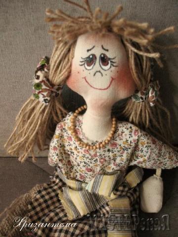 """Сшиты по м.к. спецвыпуска журнала """"""""Лена"""""""".Тела из двунитки,одежда -натуральный хлопок.У этой волосы сделаны из шпагата."""