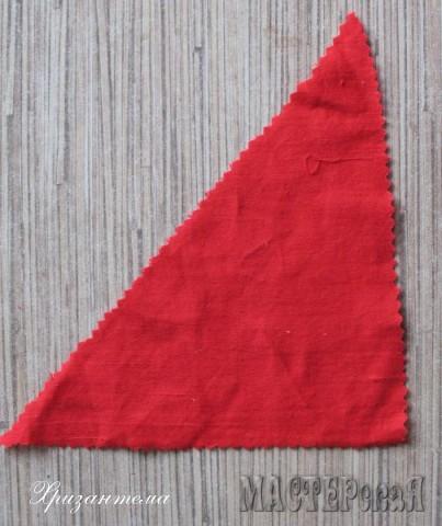 разрезаем по диагонали  на два одинаковых треугольника(нам понадобится один из них).