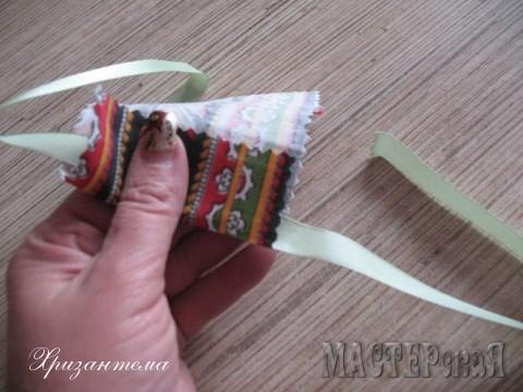 Длину фартука легко регулировать,меняя размер подогнутой ткани.