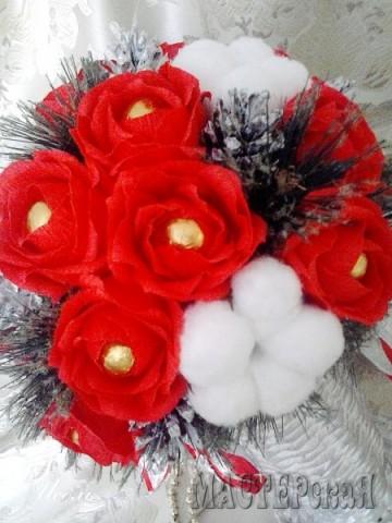 Зимний букет в плетёной вазе