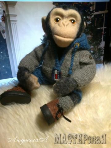 Обезьянка игрушка ручной работы - шимпанзе Джонни с львенком