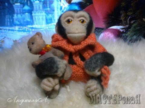 Обезьянка-игрушка ручной работы
