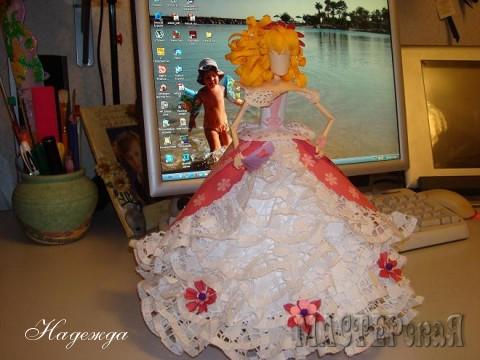Куклы выполнены в технике норигами. Высота куклы 25-30 см
