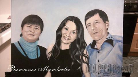 Семейный портрет. Внучка с бабушкой и дедушкой