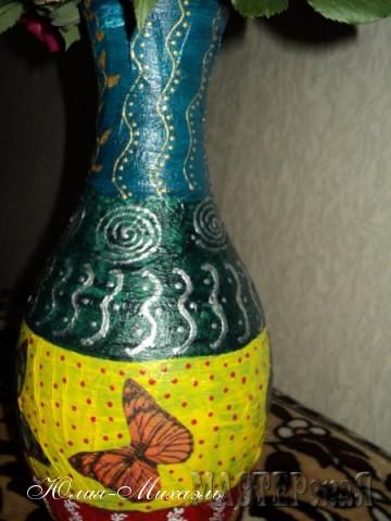 Бабочки - декупаж, роспись - полный экспромт  Вазочка сделана из пластиковой бутылки