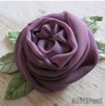 chiffon-rose-with-leaves1_0.jpg