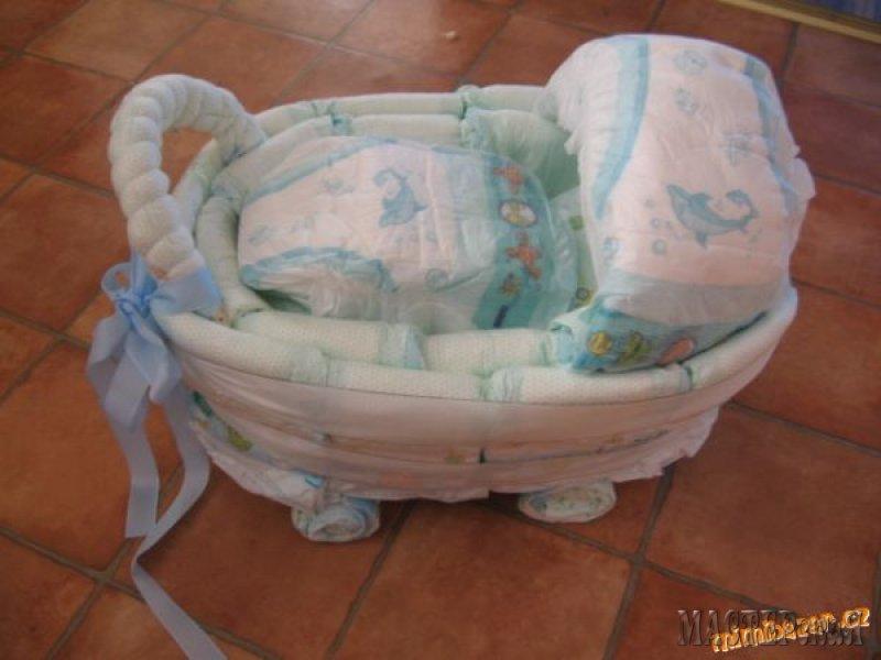 Поделки для новорожденных своими руками из памперсов